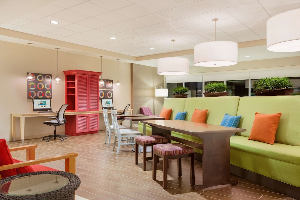 Lobby, Home2 Suites By Hilton Youngstown