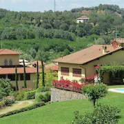 Beautiful Kept Apartment on Large Property Amidst the Beautiful Chianti