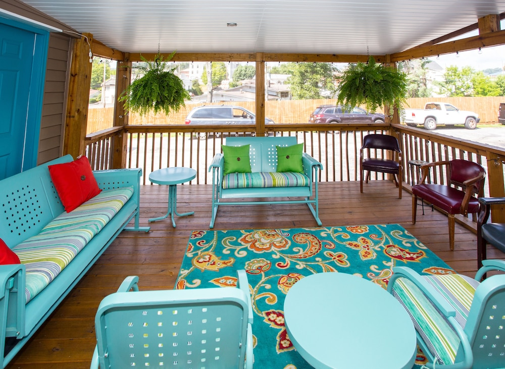 Terrace/Patio, Sunset Motel