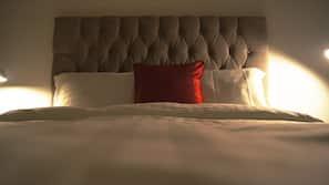 9 bedrooms, iron/ironing board, free WiFi