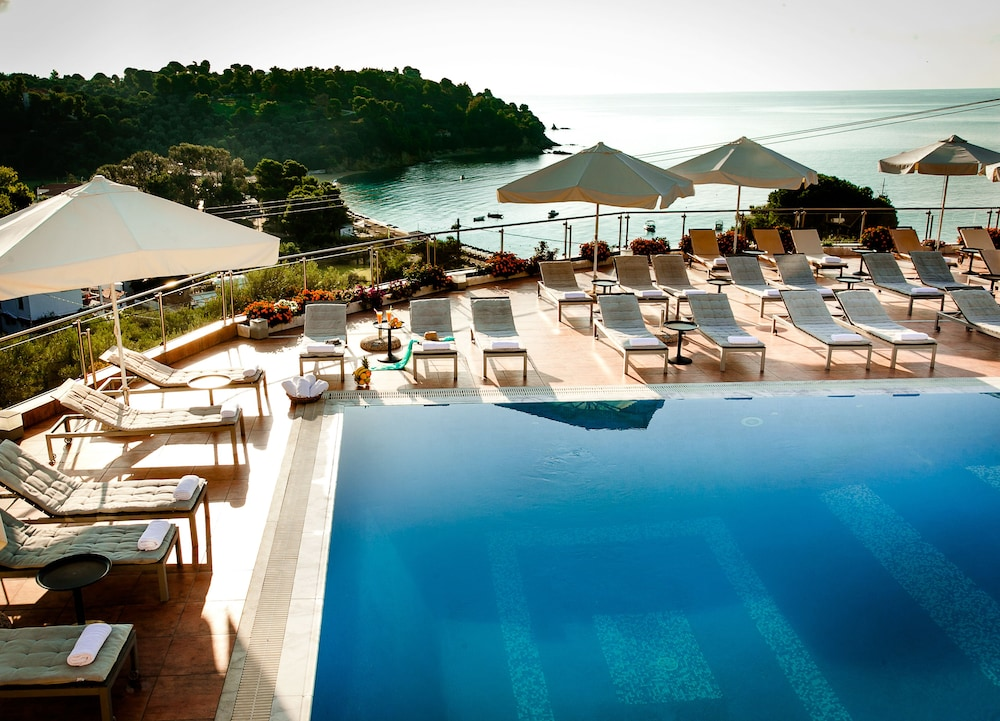La luna hotel in skiathos hotel rates reviews on orbitz for Skiathos hotels