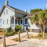 Captain Charlie s 1 3 Bedroom Holiday Home By Bald Head Island