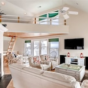 Laurie s Loft 3 Bedroom Holiday Home By Bald Head Island