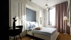 Hochwertige Bettwaren, Zimmersafe, Bügeleisen/Bügelbrett