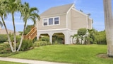Colonial Avenue Home - Marco Island Hotels