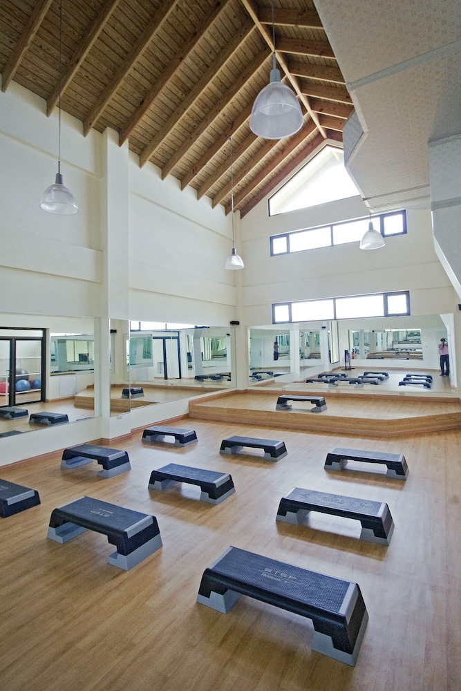 Fitness Studio, Ocean Village Deluxe