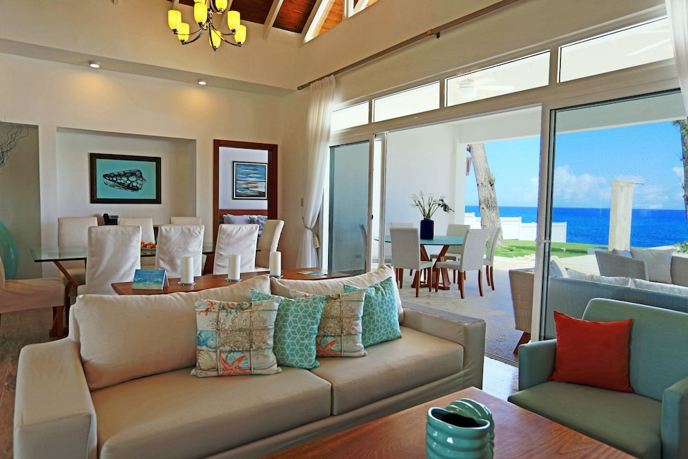 Living Area, Ocean Village Deluxe