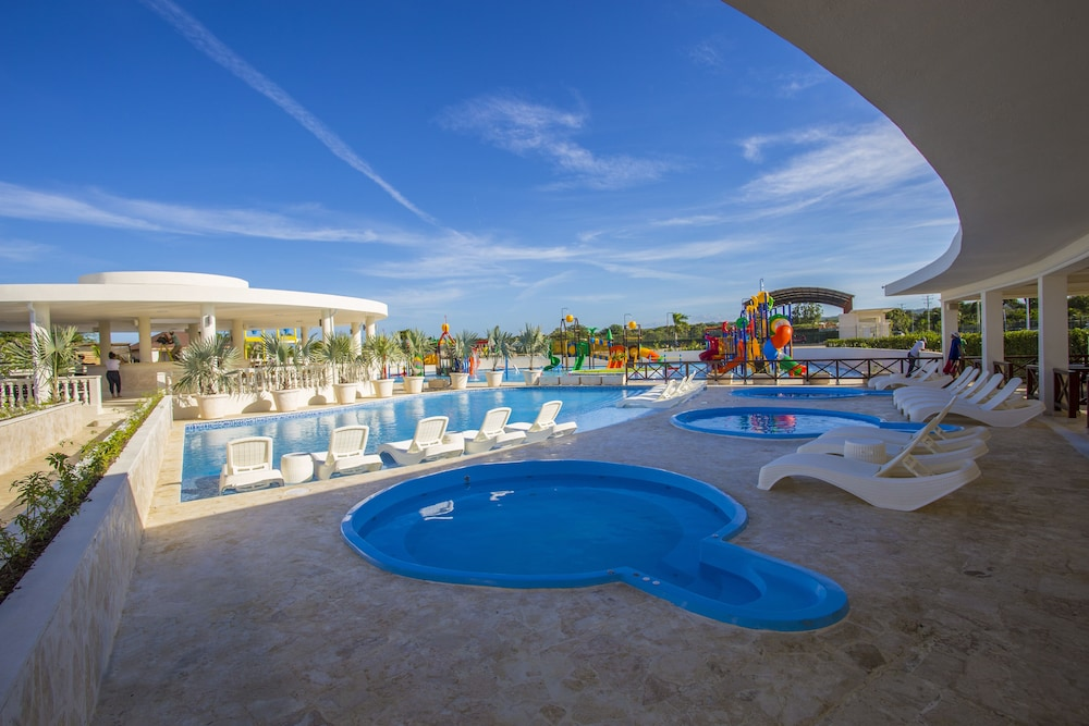 Children's Pool, Ocean Village Deluxe