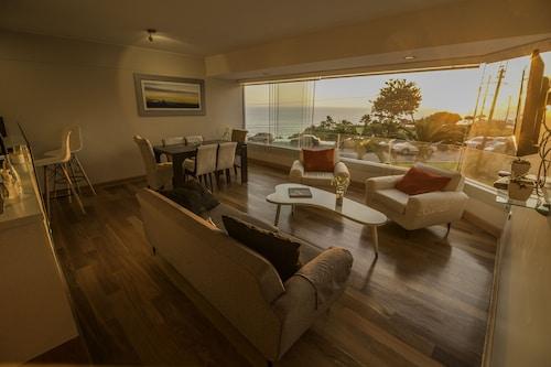 Malecon Cisneros Luxury Condo (PER 16892224 3.7) photo