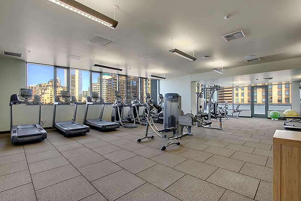 Fitness Facility, Ferris Wheel Apartments by Barsala