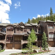 Base Camp 480 4 Bedroom Holiday Home by Winter Park Lodging Company