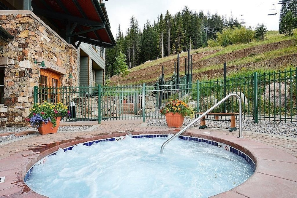 Choose from 902 Winter Park Ski Resort Hotel Deals