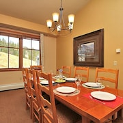 Zephyr Mountain Lodge 1703 3 Bedroom Holiday Home by Winter Park Lodging Company
