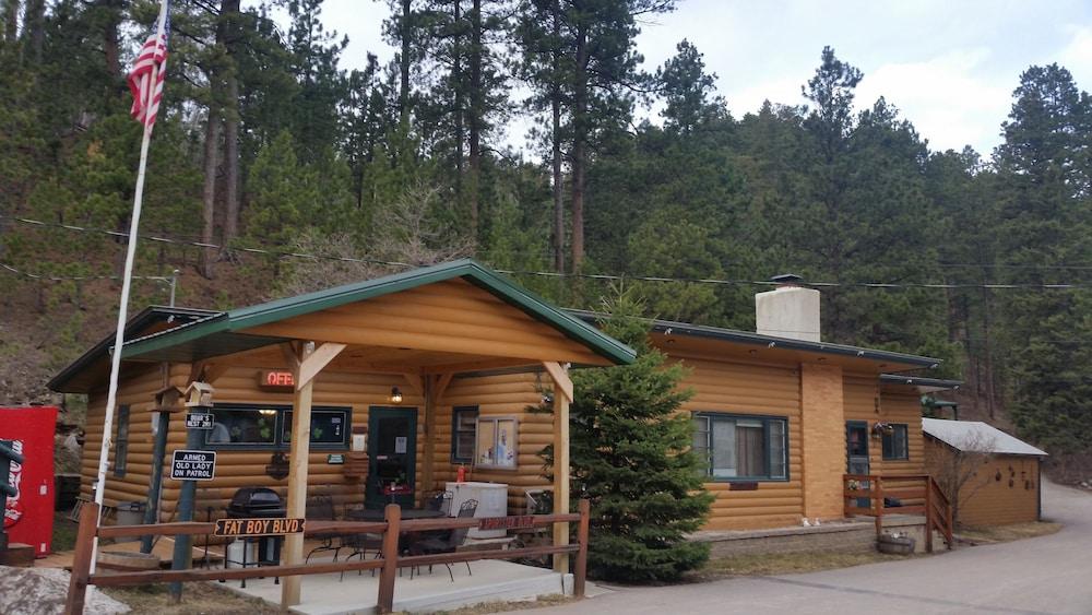 Ponderosa pines inn and cabins reviews photos rates for Ponderosa cabins california