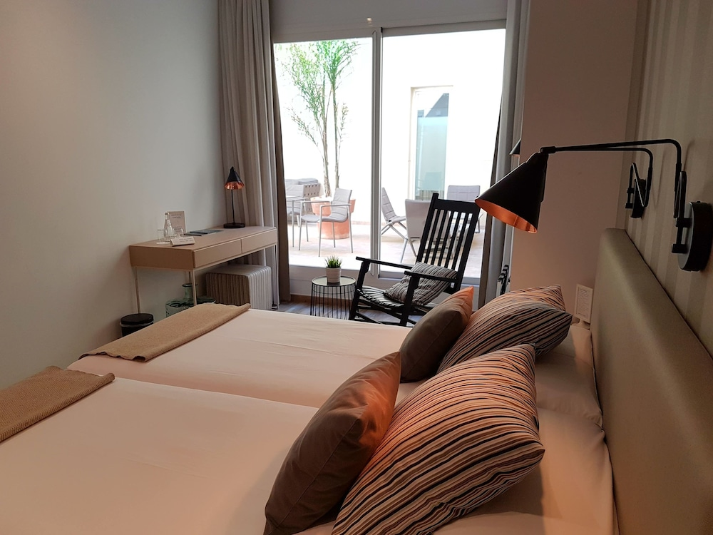 Room, Hotel Boutique Balandret