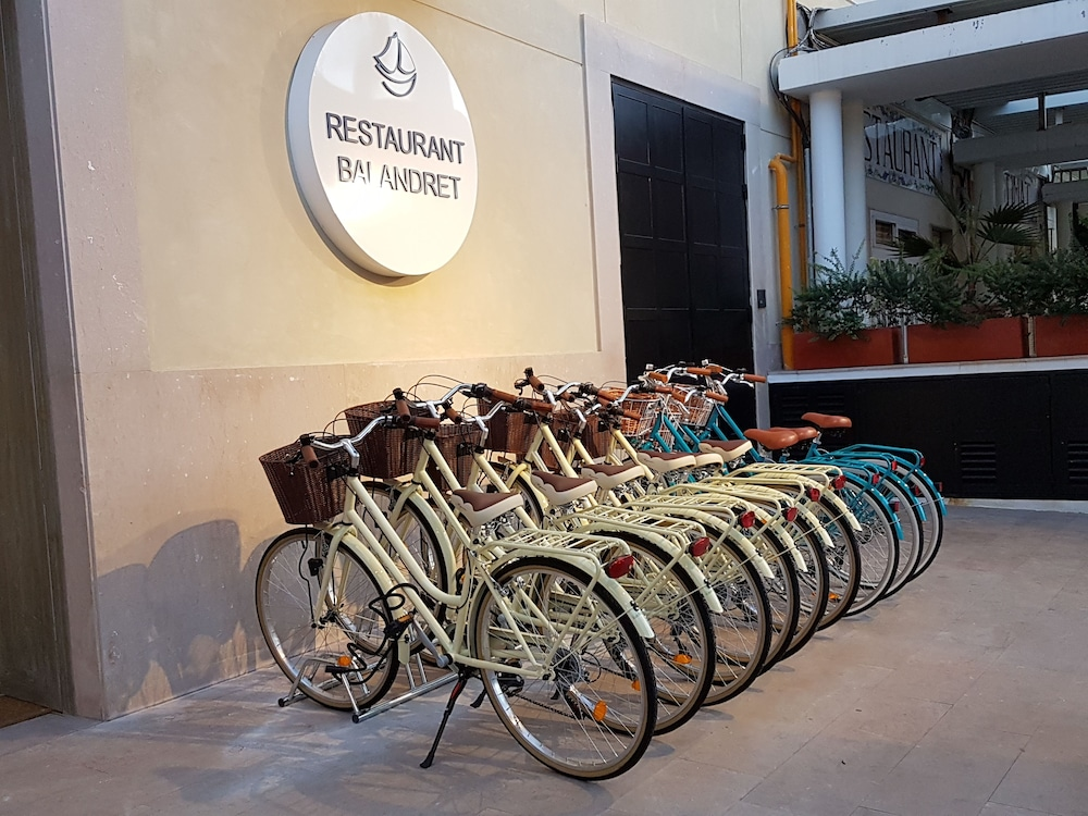 Bicycling, Hotel Boutique Balandret