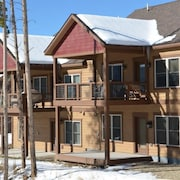 Rendezvous Lookout Point 3 Bedroom Holiday Home by Winter Park Lodging Company