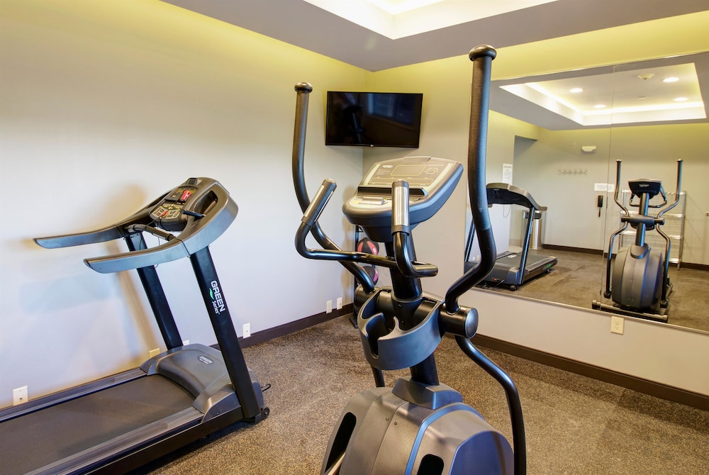 Fitness Facility, Days Inn & Suites by Wyndham Port Arthur