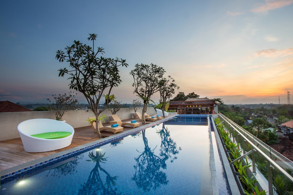 Maxone hotels at ubud 2017 room prices deals reviews for Ubud bali hotels