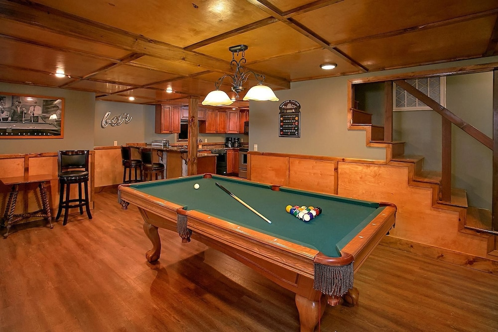 Billiards, Mountain View Mansion