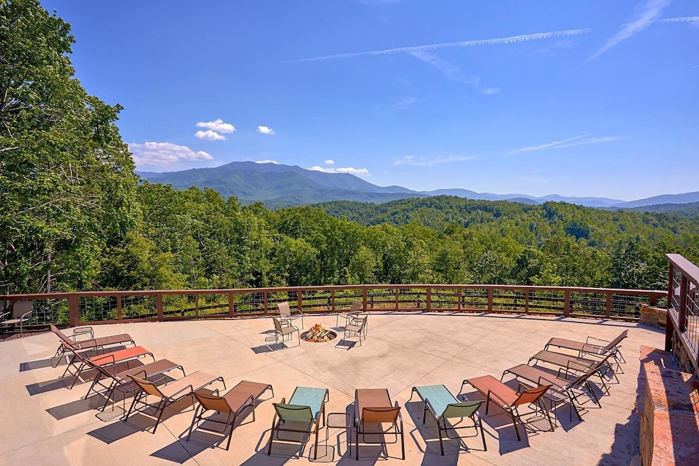 Book mountain view mansion sevierville hotel deals for 37862 vessing terrace