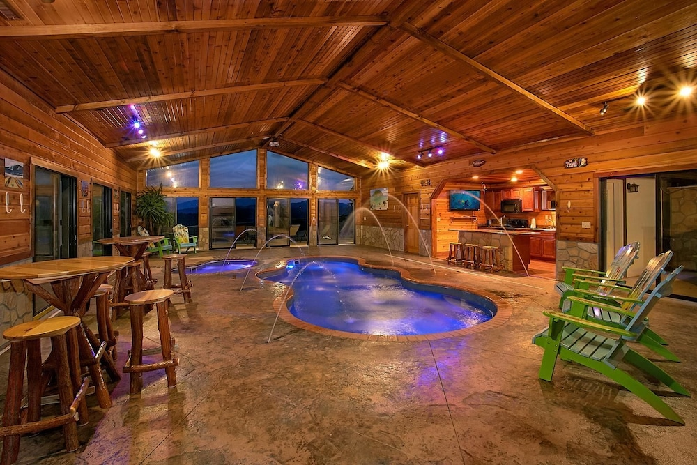 Pool, Mountain View Mansion