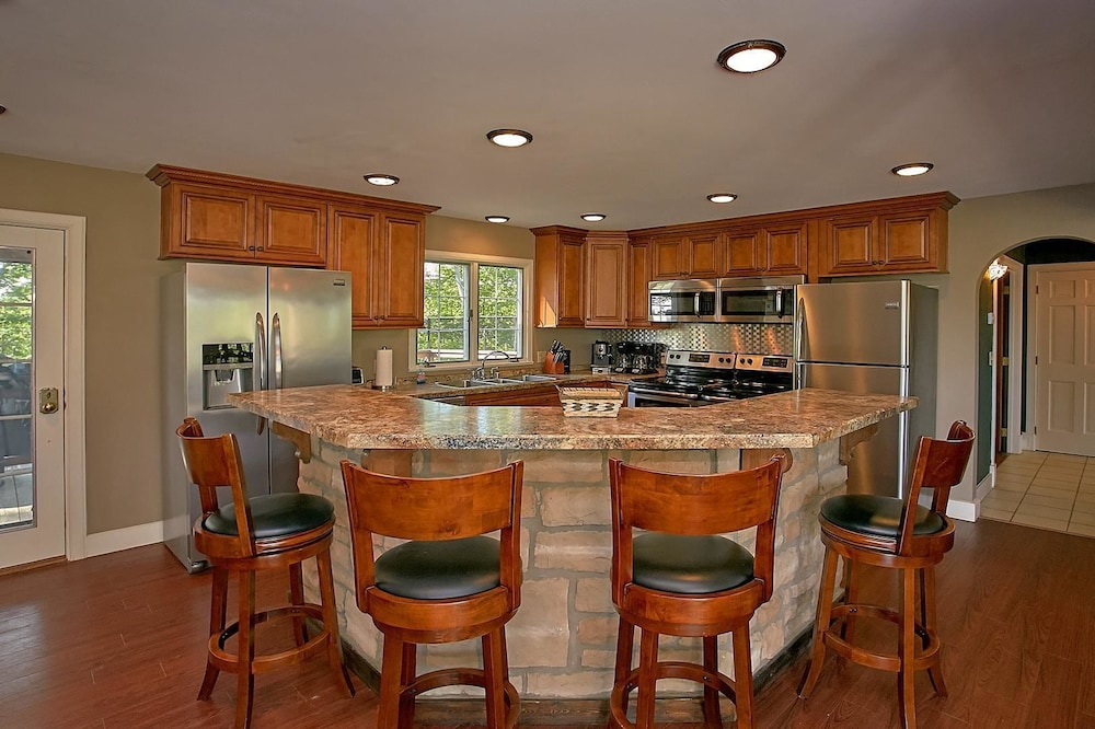 Private Kitchen, Mountain View Mansion