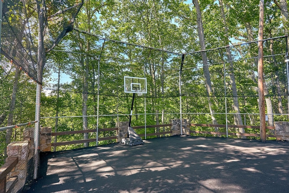 Sport Court, Mountain View Mansion