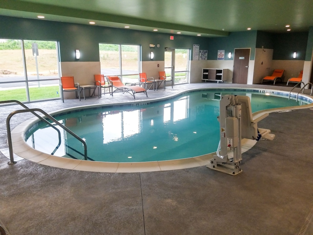 Indoor/Outdoor Pool, Holiday Inn Express & Suites Charlotte NE - University Area