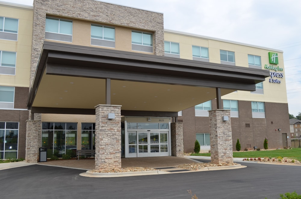 Exterior, Holiday Inn Express & Suites Charlotte NE - University Area