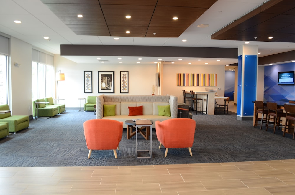 Interior, Holiday Inn Express & Suites Charlotte NE - University Area