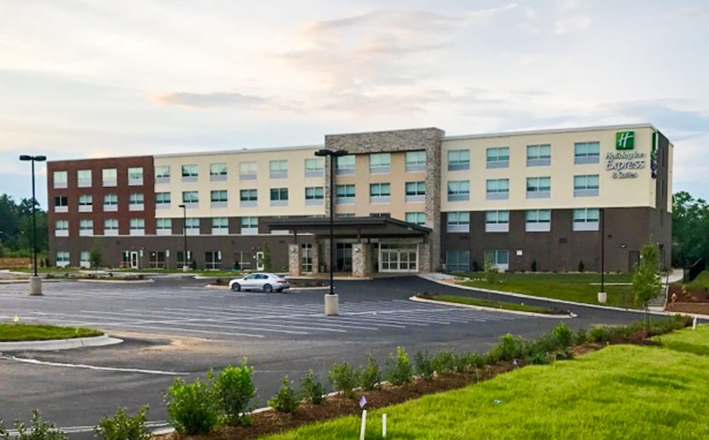 Front of Property, Holiday Inn Express & Suites Charlotte NE - University Area