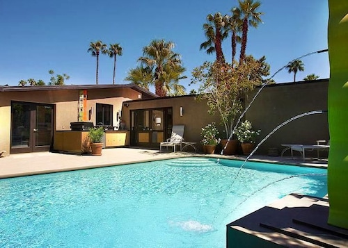 Zen Inspired Sanctuary Palm Springs Usa