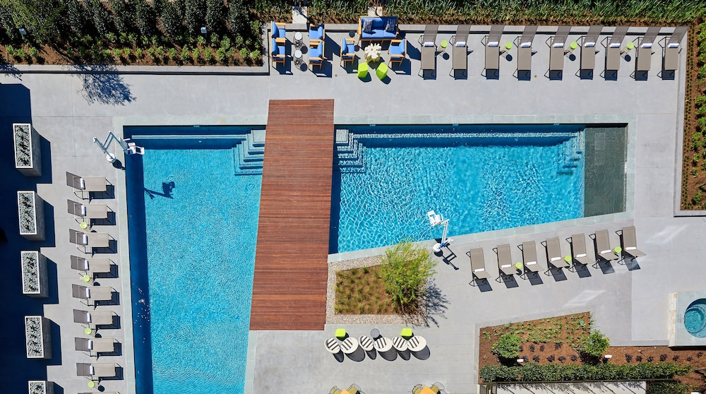 Outdoor Pool, The Stella Hotel