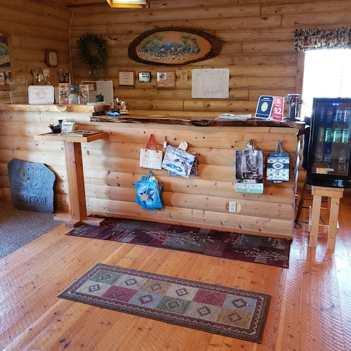 Wolf Den Log Cabin Motel and RV Park