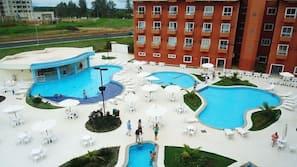 6 piscinas externas
