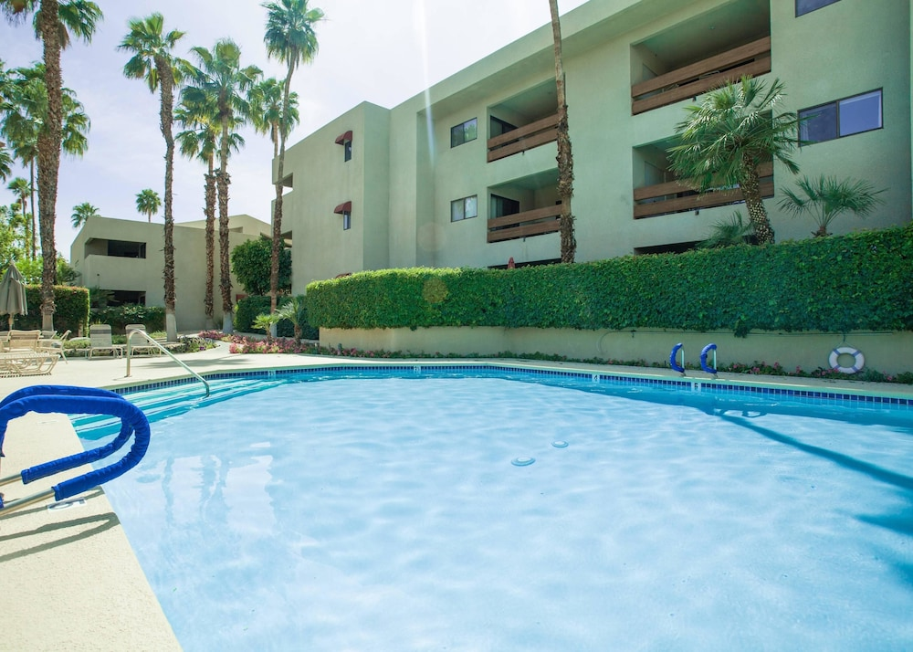 Palm Springs Convention Center Hotels