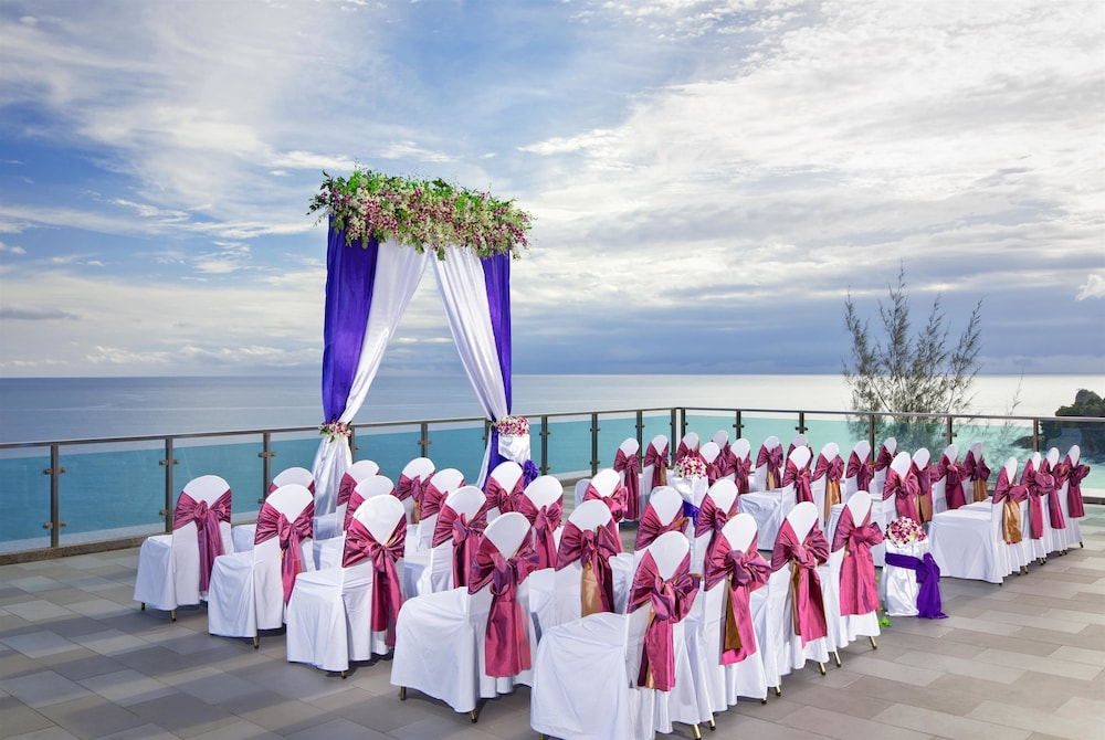 Indoor Wedding, Wyndham Grand Phuket Kalim Bay