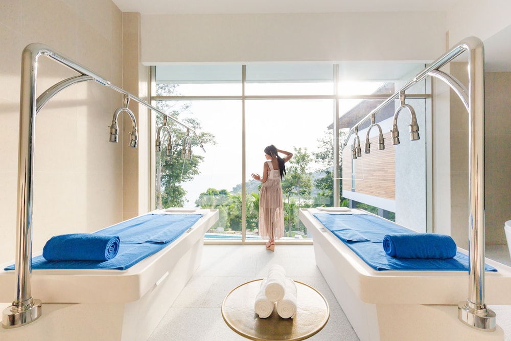 Vichy Shower, Wyndham Grand Phuket Kalim Bay
