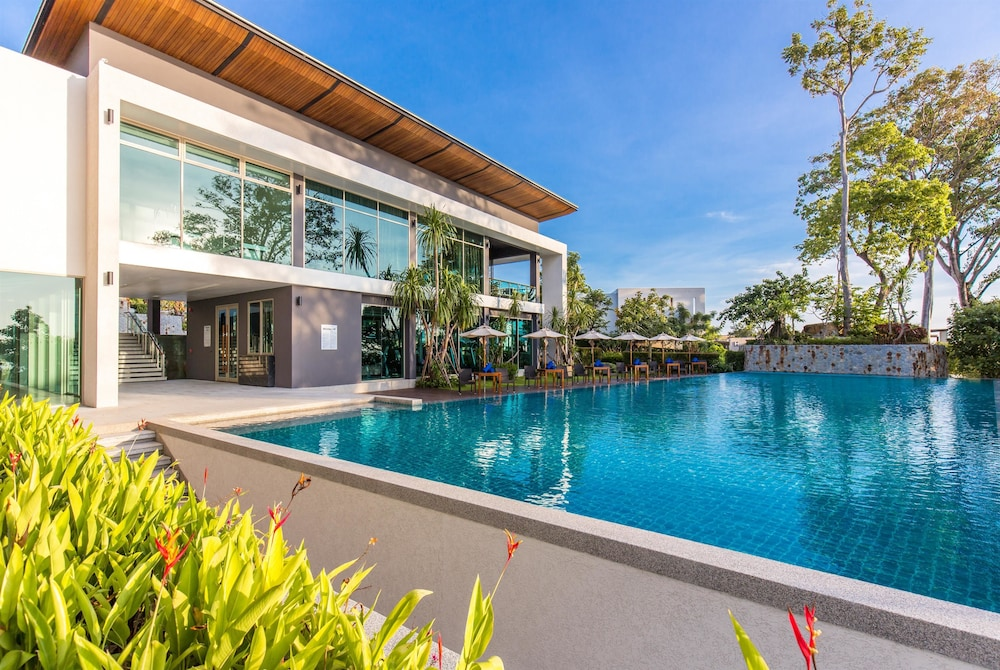 Pool, Wyndham Grand Phuket Kalim Bay