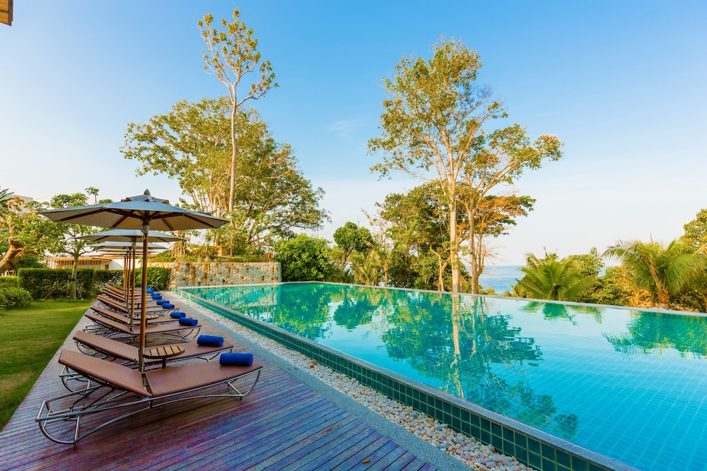 Outdoor Pool, Wyndham Grand Phuket Kalim Bay
