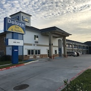 Deluxe Inn & Suites Baytown