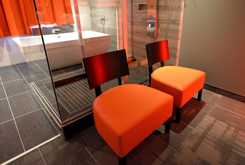 O Hotel Suites Laval