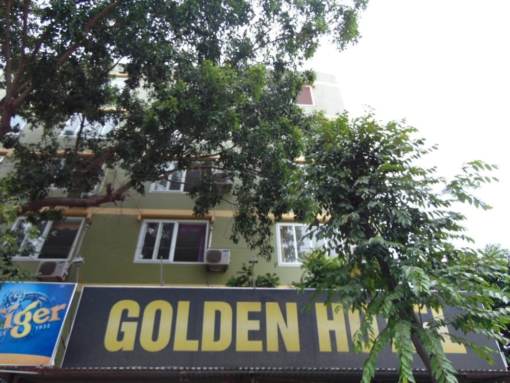Front of Property, Noi Bai Golden Hotel