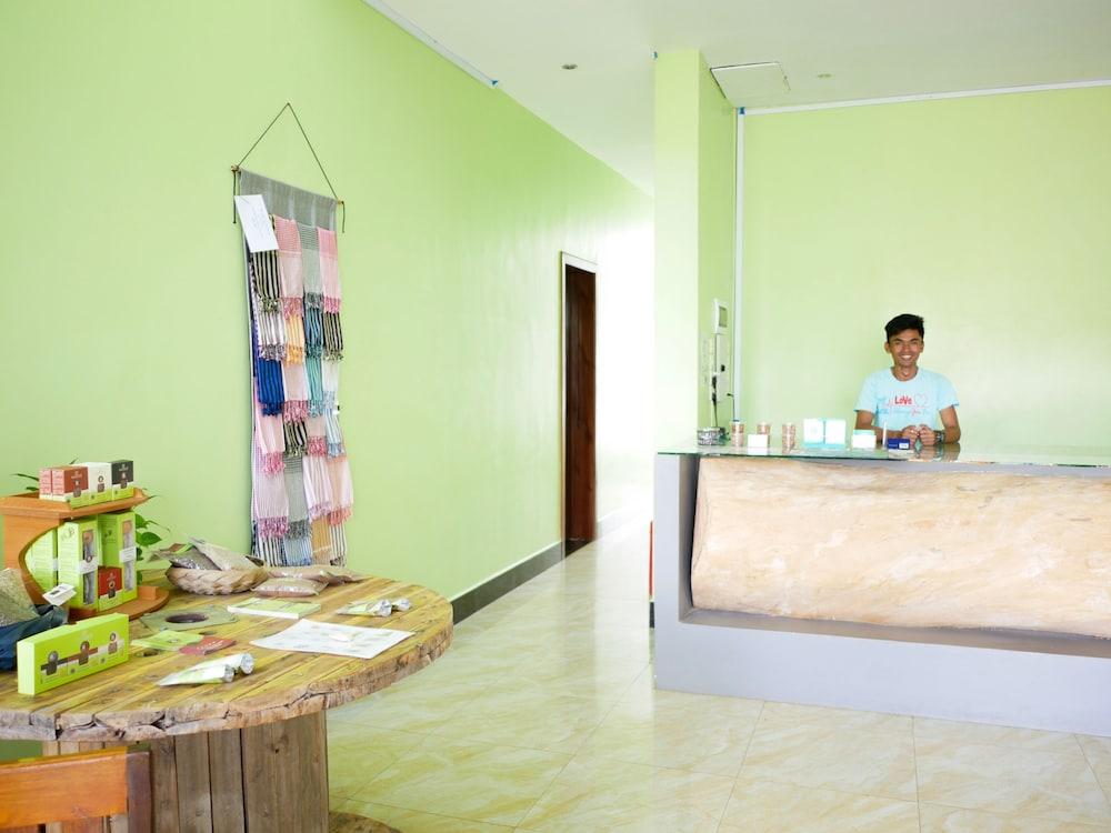 Blue Buddha Hotel, Kampot: 2018 Reviews & Hotel Booking | Expedia.com.sg
