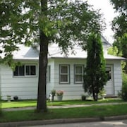 Canora Vacation Home