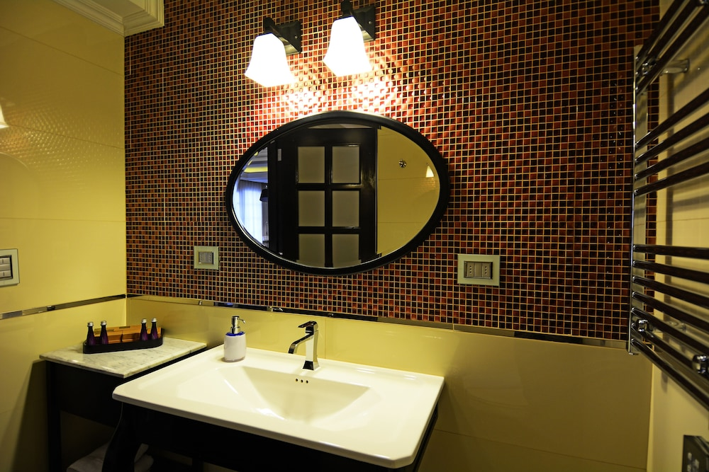 Bathroom, Hotel Sommelier Boutique