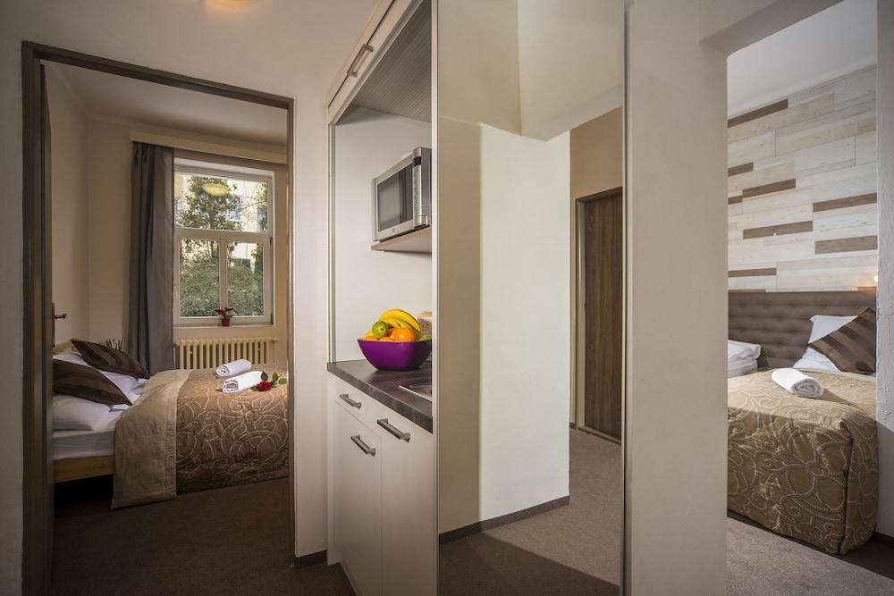 Blick Auf Die Straße Profilbild (Deluxe Apartment, 2 Schlafzimmer, ...