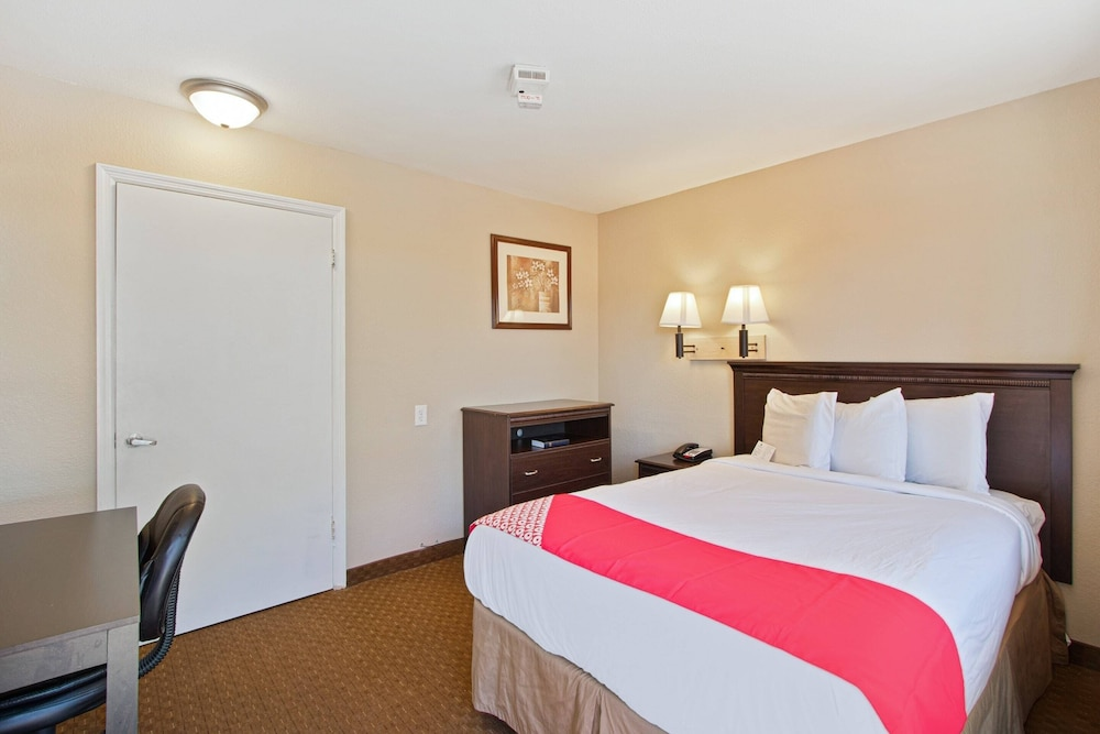 Room, Capital O Hotel Richmond Hill/Savannah area I-95