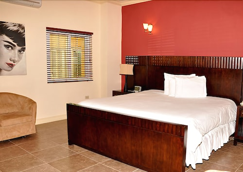 The wexford hotel montego bay reviews photos rates for The wexford